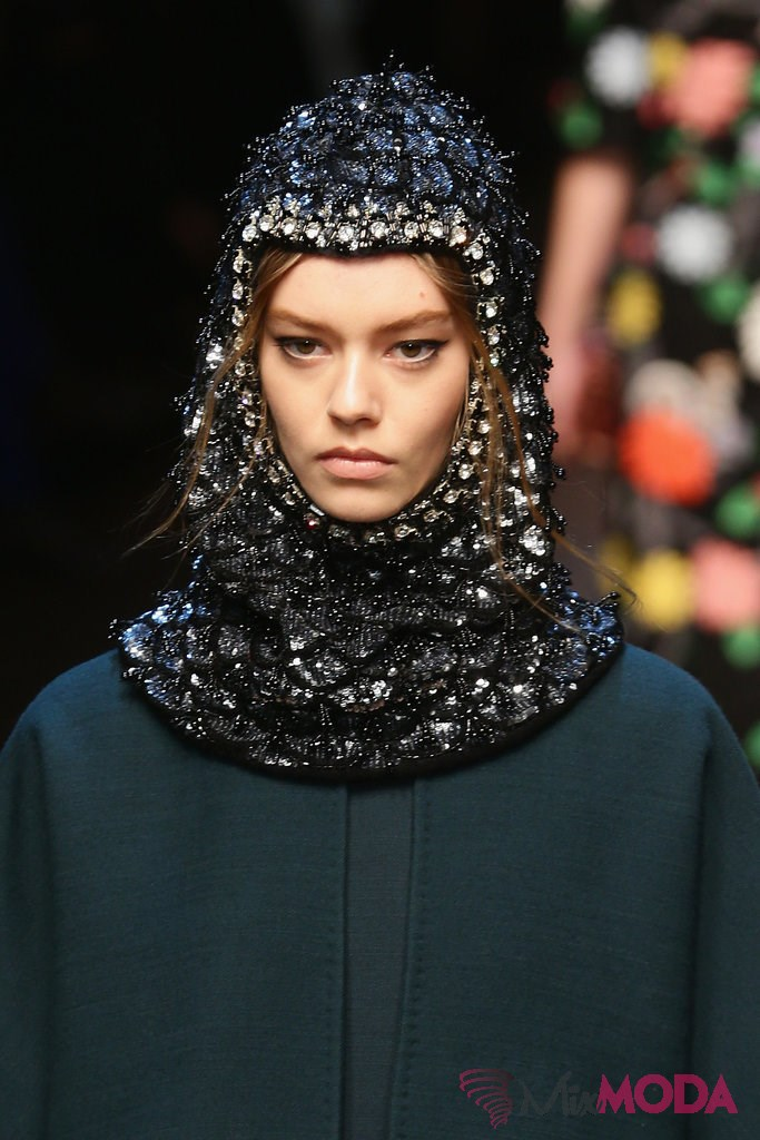 Dolce-Gabbana-sonbahar-2014-Hair-Makeup-Runway-Pictures-5