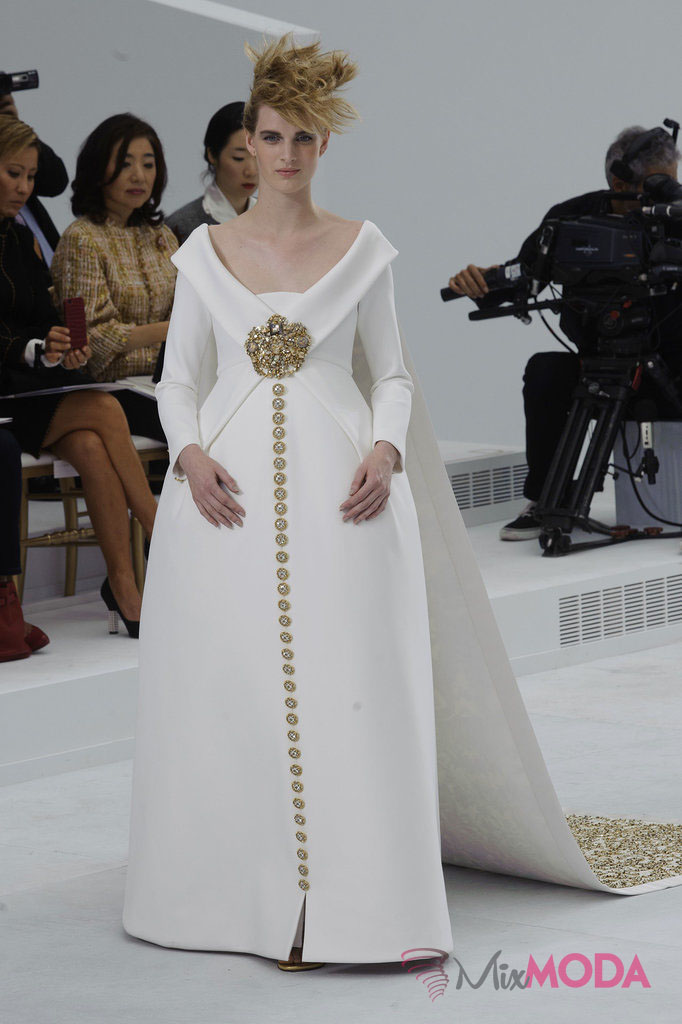 Chanel-Haute-Couture-Fall-2014-1