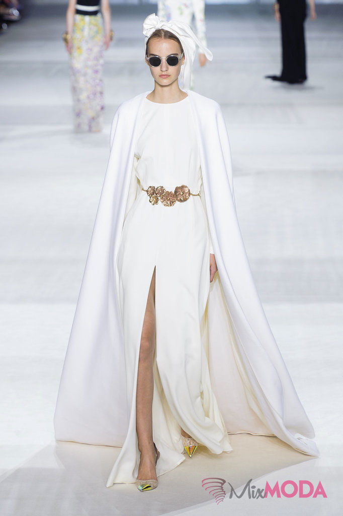 Giambattista-Valli-Haute-Couture-Fall-2014-1