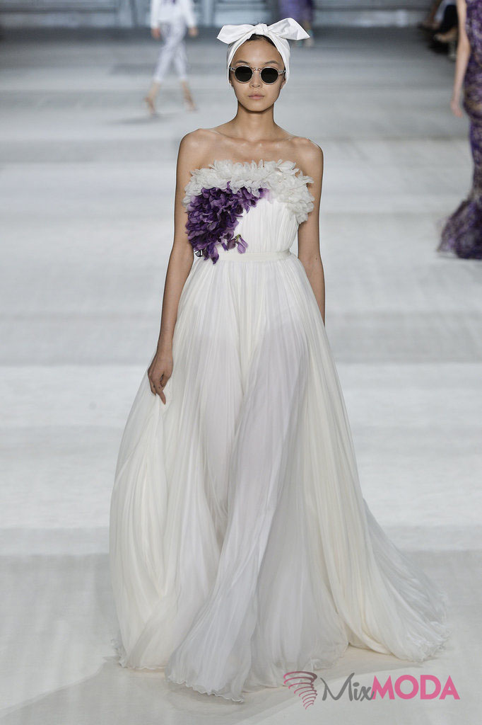 Giambattista-Valli-Haute-Couture-Fall-2014