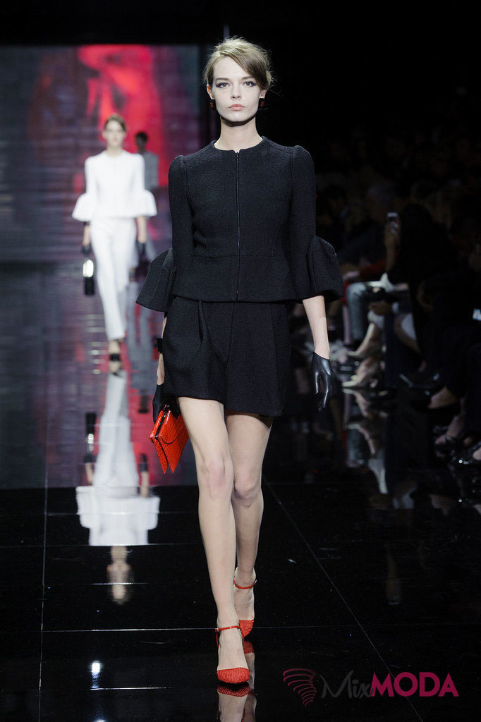 Giorgio-Armani-Prive-Haute-Couture-Fall-2014-12