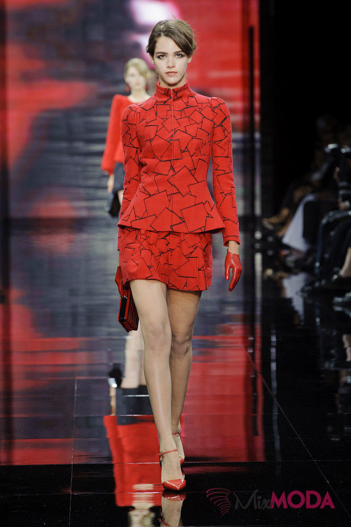 Giorgio-Armani-Prive-Haute-Couture-Fall-2014-15