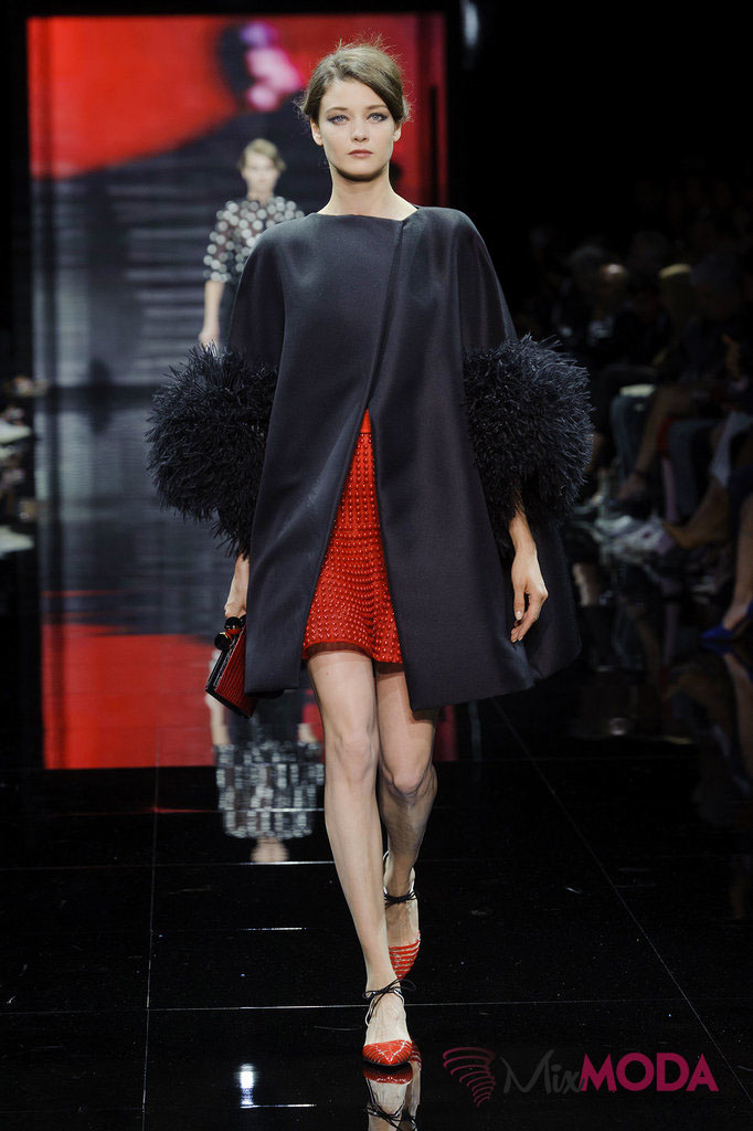 Giorgio-Armani-Prive-Haute-Couture-Fall-2014-49