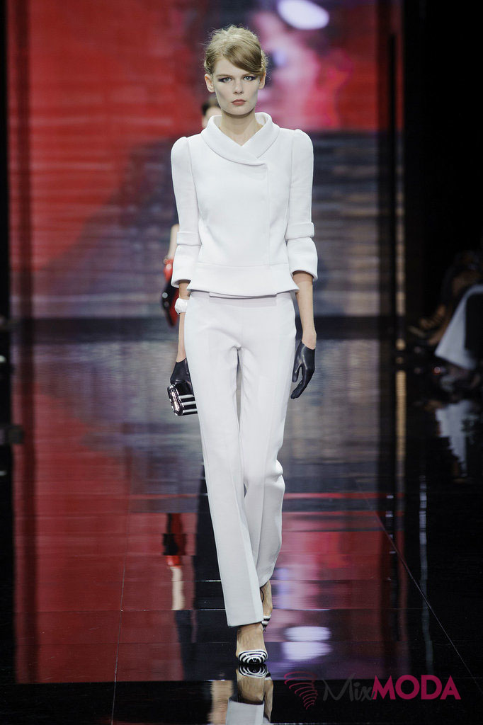 Giorgio-Armani-Prive-Haute-Couture-Fall-2014-5