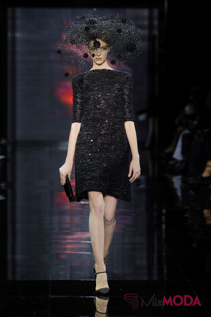 Giorgio-Armani-Prive-Haute-Couture-Fall-2014-59