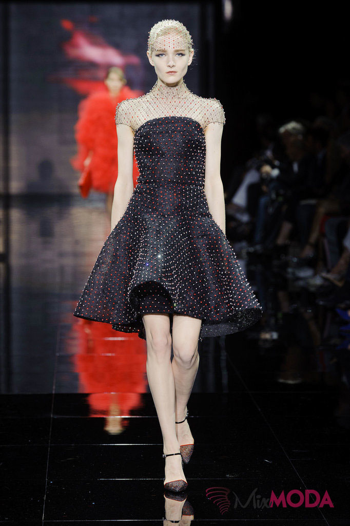 Giorgio-Armani-Prive-Haute-Couture-Fall-2014-64