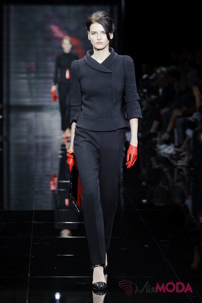 Giorgio-Armani-Prive-Haute-Couture-Fall-2014-8