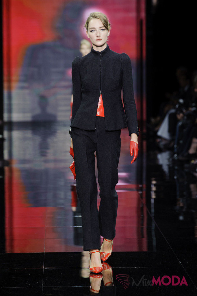 Giorgio-Armani-Prive-Haute-Couture-Fall-2014-9