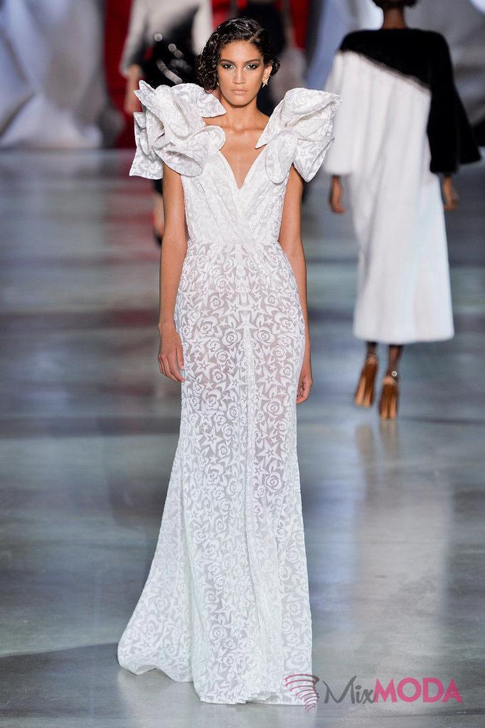 Ulyana-Sergeenko-Haute-Couture-Fall-2014-1